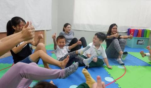Mommy-and-Me-Yoga-2019-18